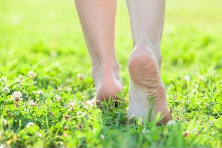 Ходите босыми ногами