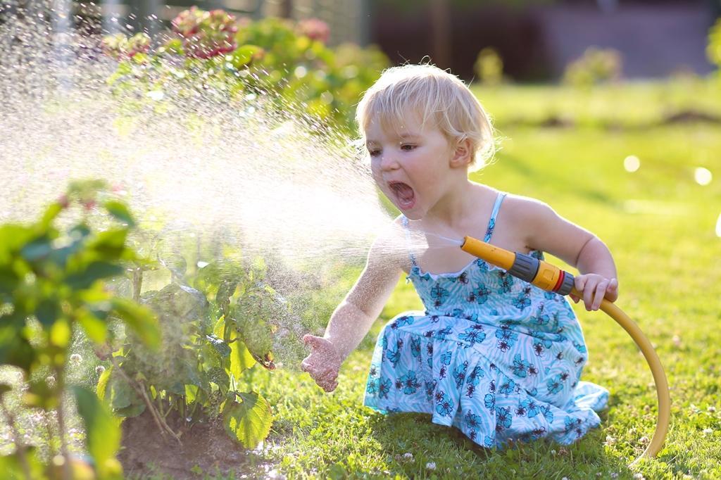 Детям в радость, растениям в пользу